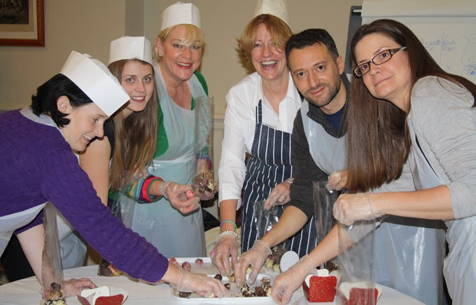 Christmas Team Building Ideas Great Christmas Bake Off